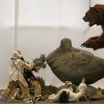 Реконструкция сцены охоты на пещерного медведя