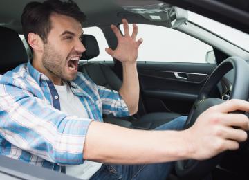 Три лучших средства самообороны для автомобилистов в летнее время