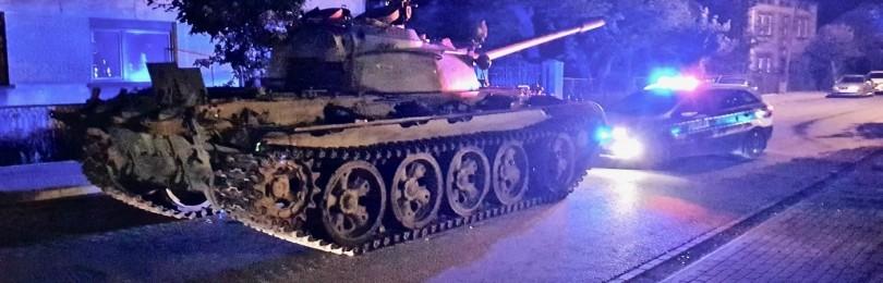 В Польше полицейские остановили танк