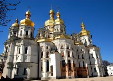 Зачем России столько новых церквей