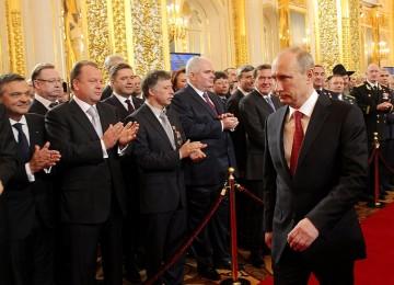 Путинская элита никогда не забывает о собственном обогащении