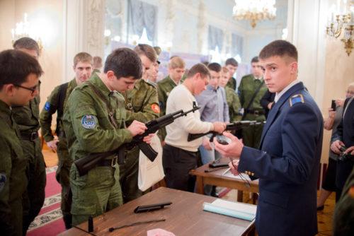 на сколько подписывают контракт в армии