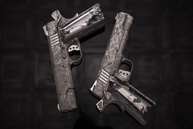 изобретатель револьвера
