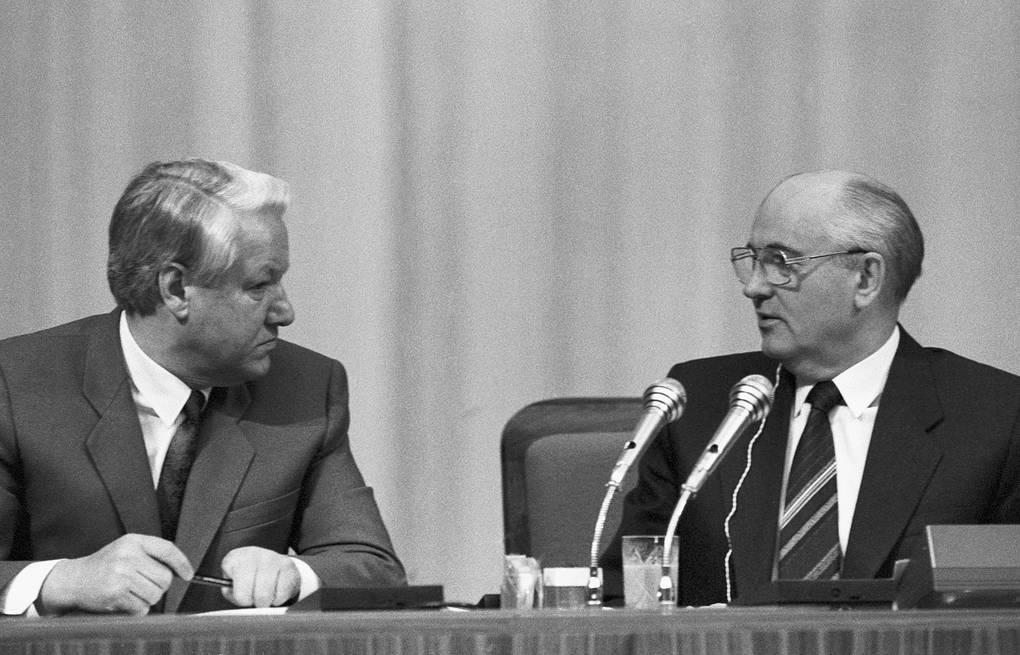 отставка горбачева с поста президента ссср дата