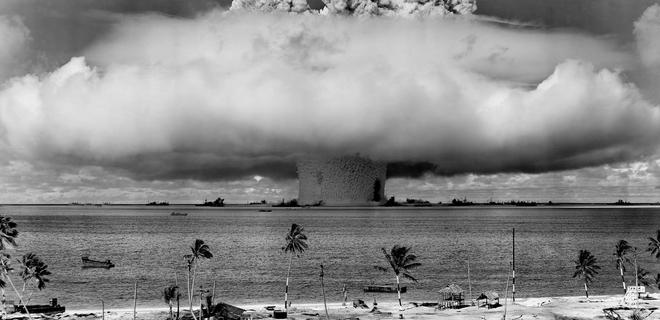 кто создал ядерное оружие