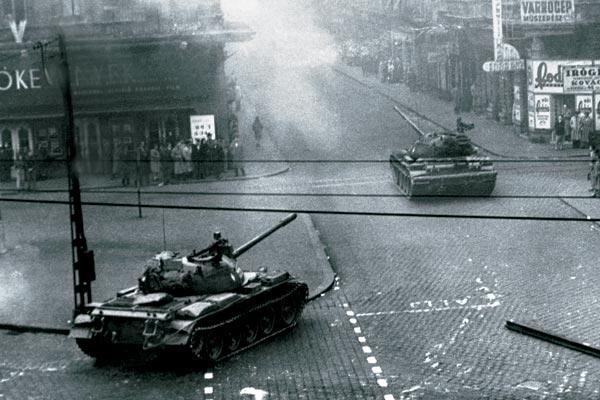 подавление восстания в венгрии войсками ссср год