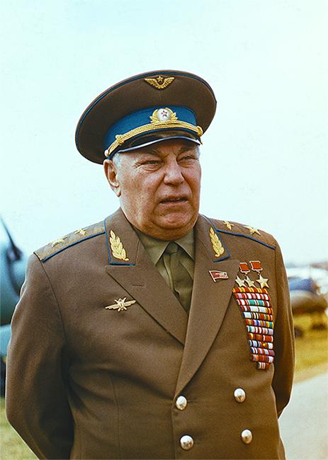 летчик трижды герой советского союза