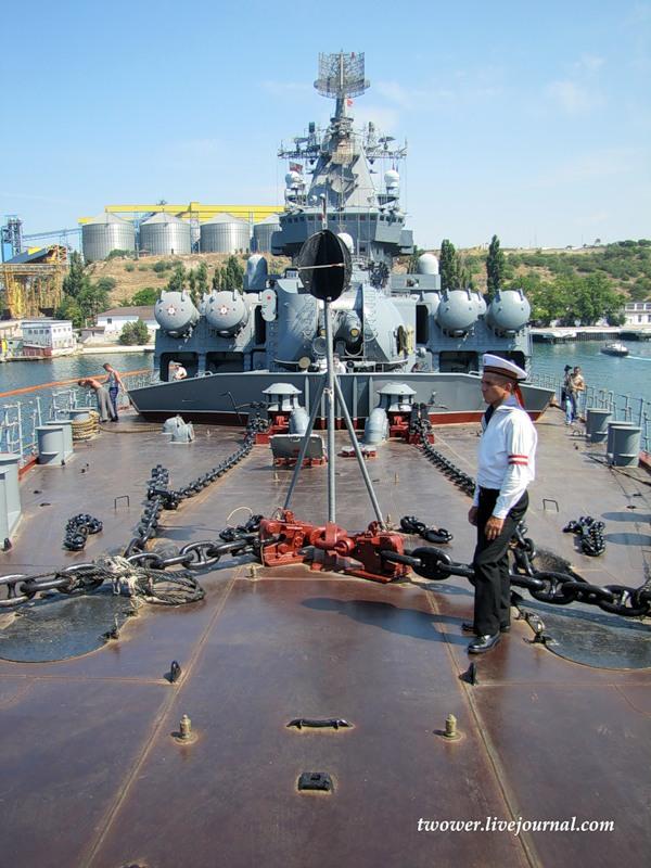 ракетный крейсер москва фото