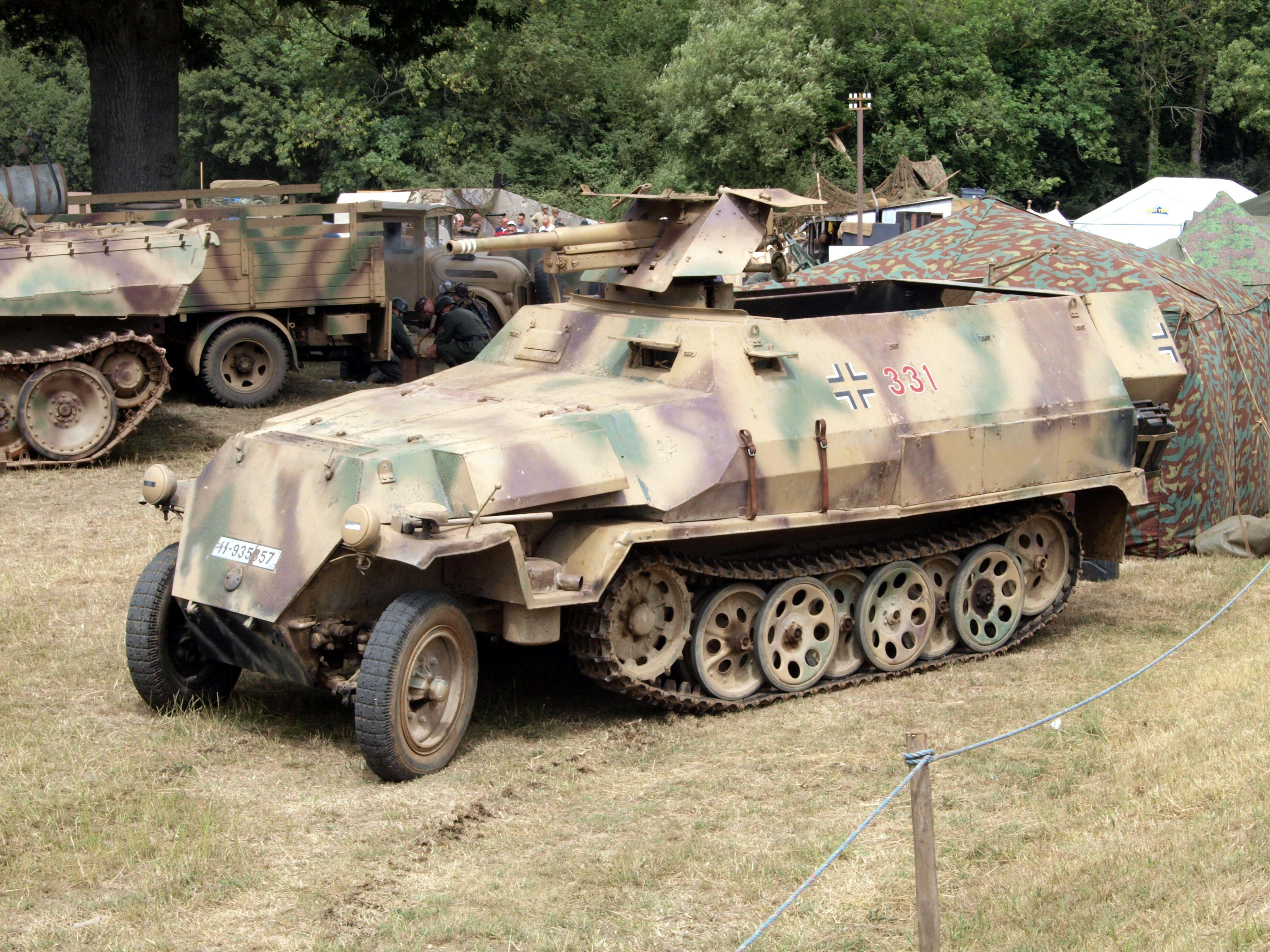 немецкий бронетранспортер sd kfz 251