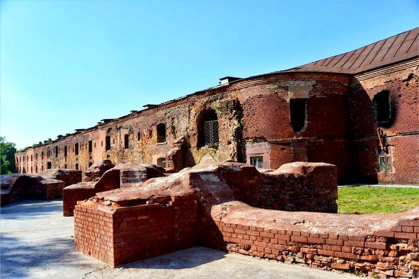 брестская крепость где