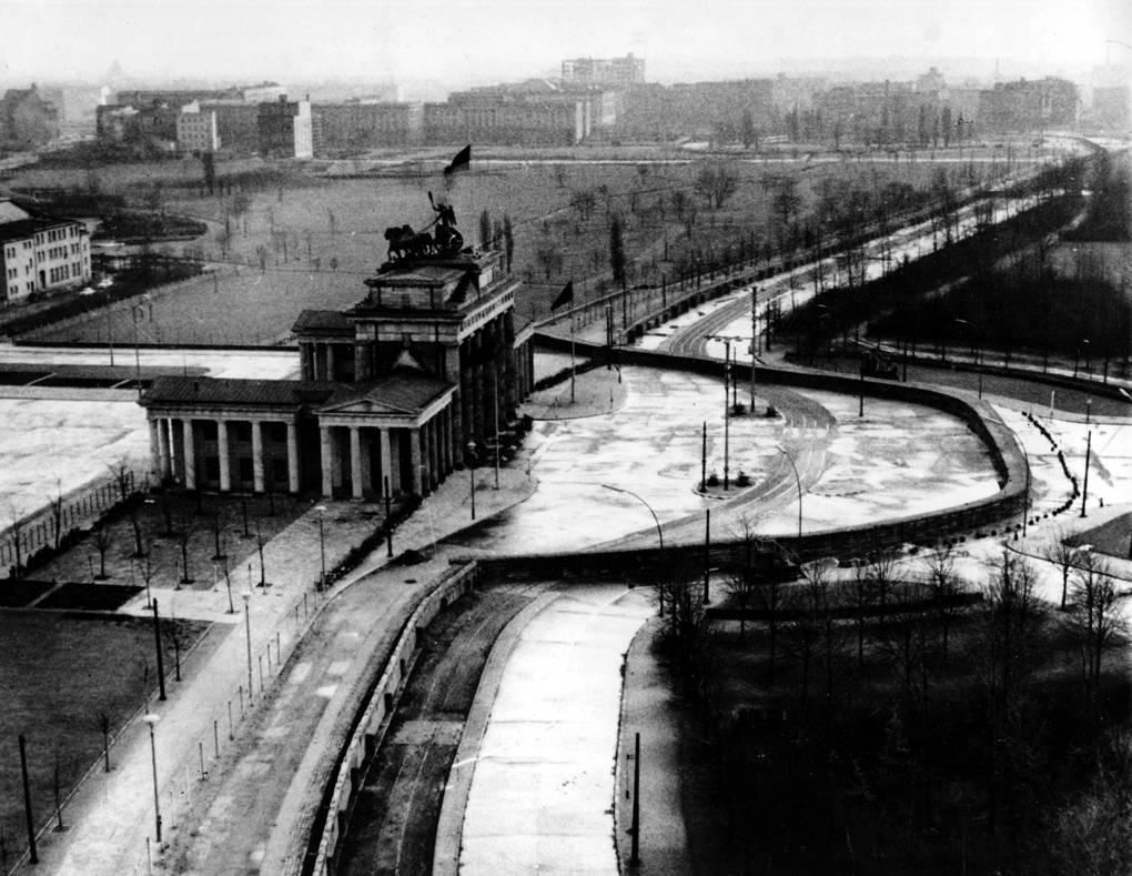 падение берлинской стены 1989 г