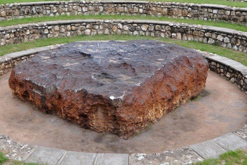 метеориты упавшие на землю космические тела