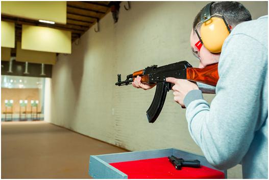 как правильно стрелять из пистолета