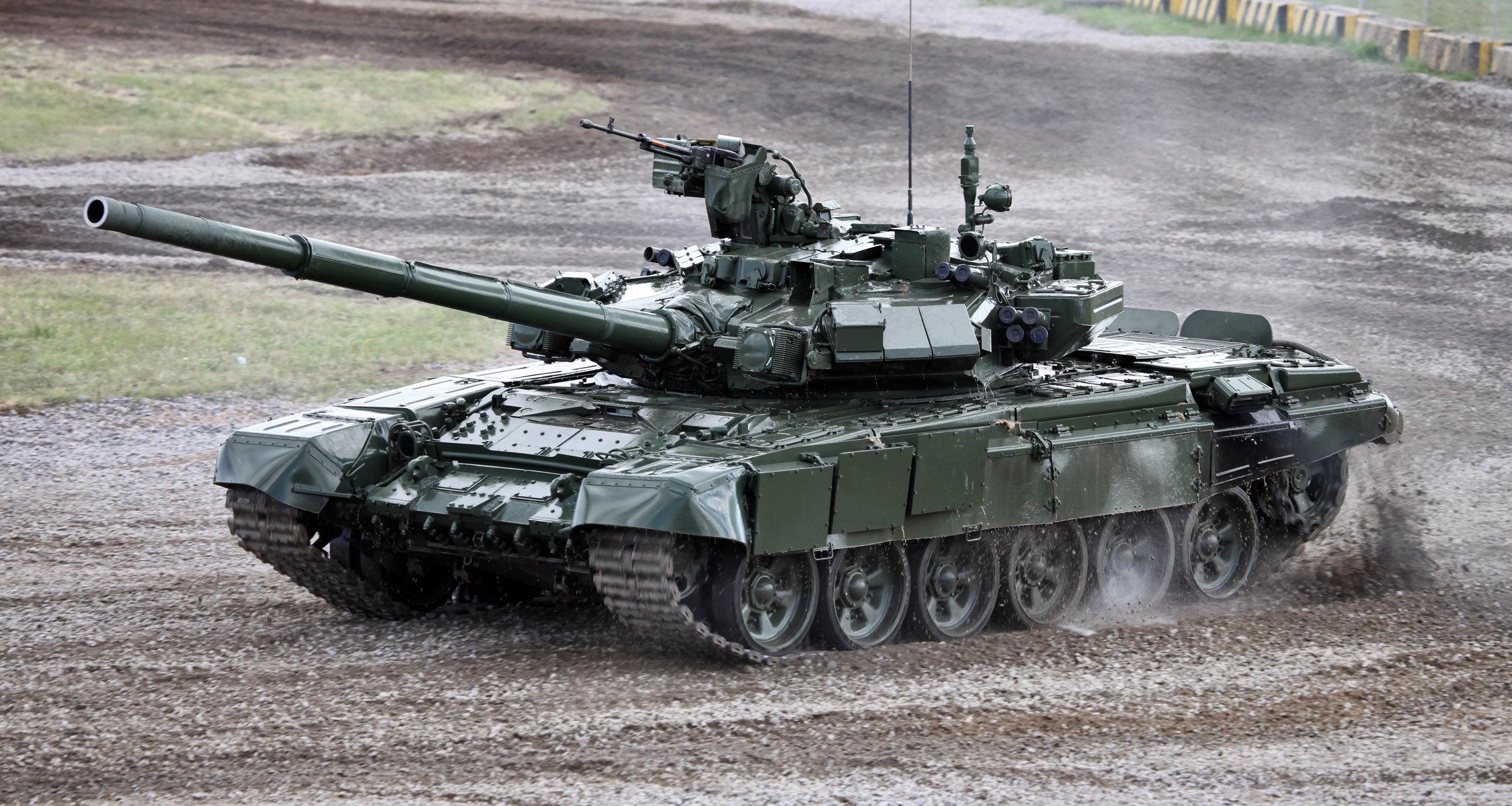 количество танков в россии