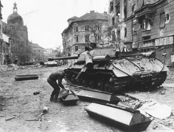 введение советских войск в венгрию