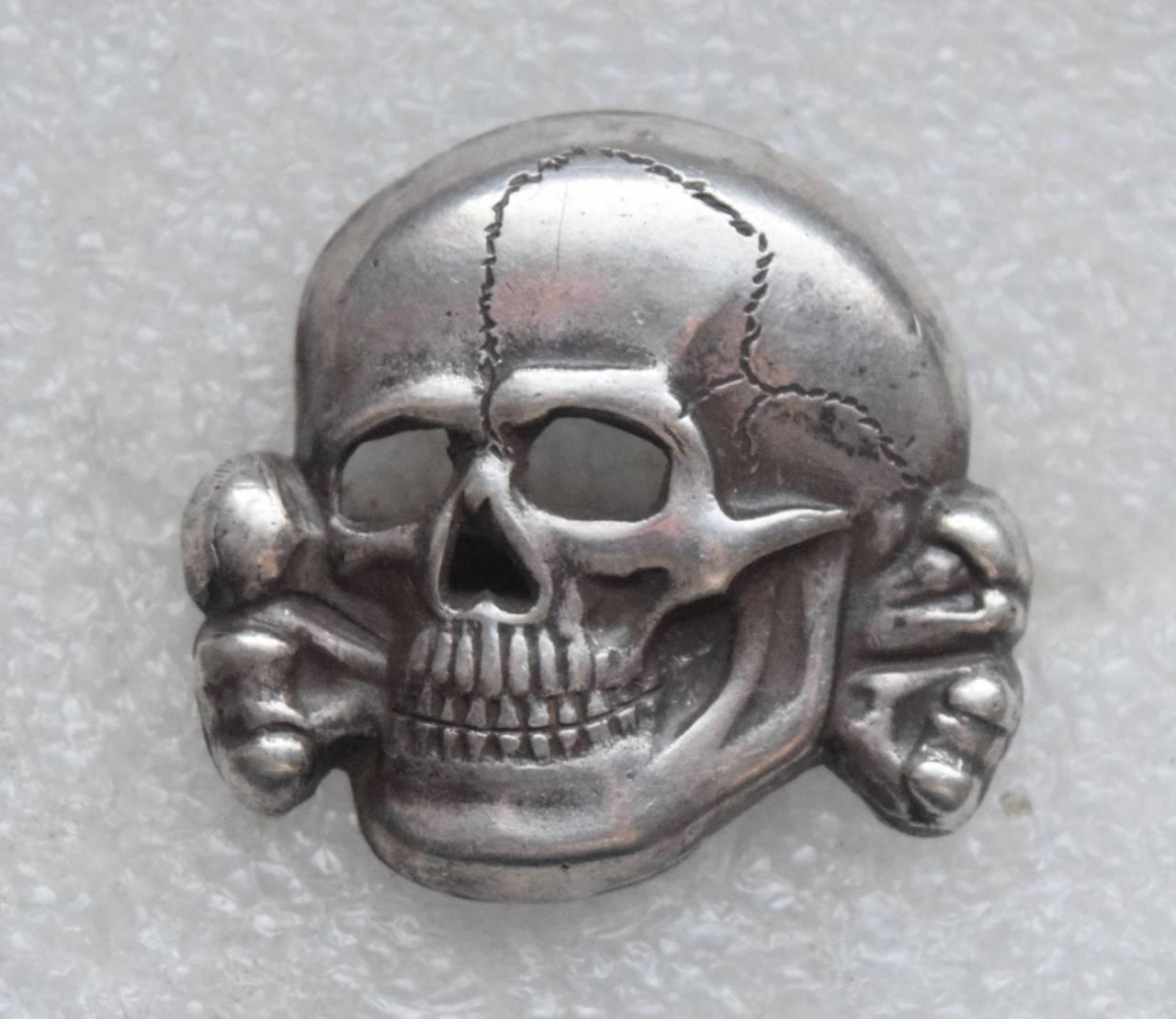нацистский череп