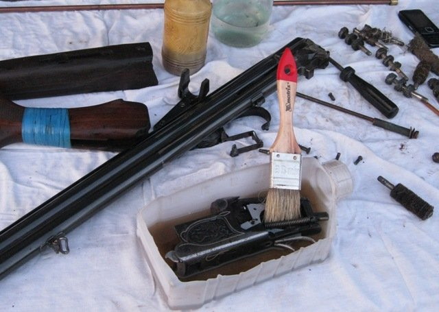 как чистить оружие