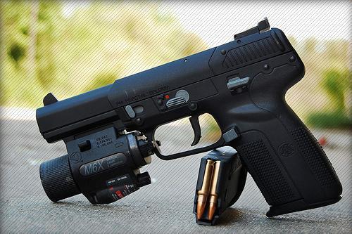 крутые пистолеты