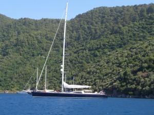 Роскошная яхта для отдыха и доставки на охоту