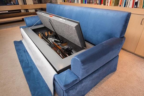 Сейф. спрятанный в диване