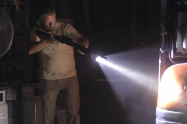 Remington 870 Police Magnum со встроенным фонарем