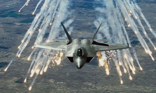 F-22 в полете