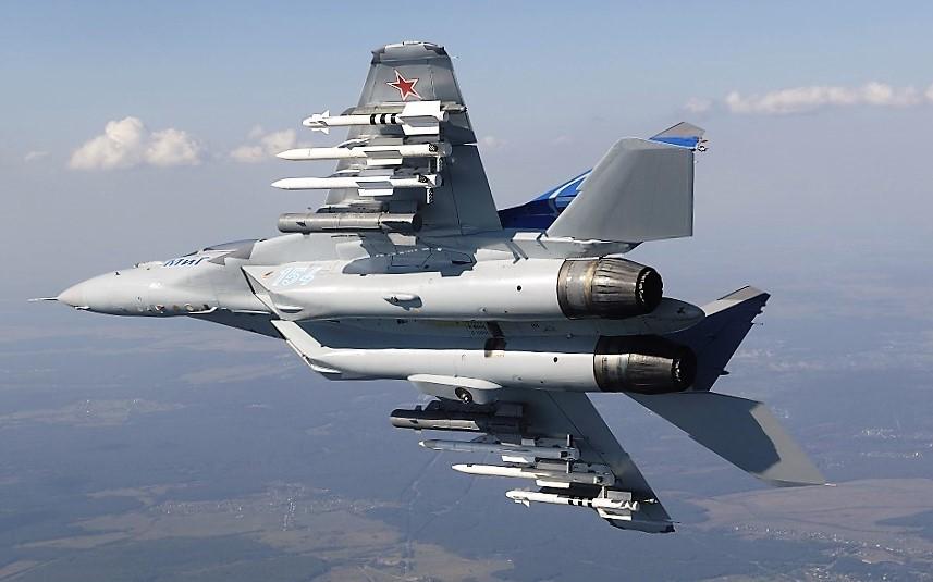 МиГ-35 в небе