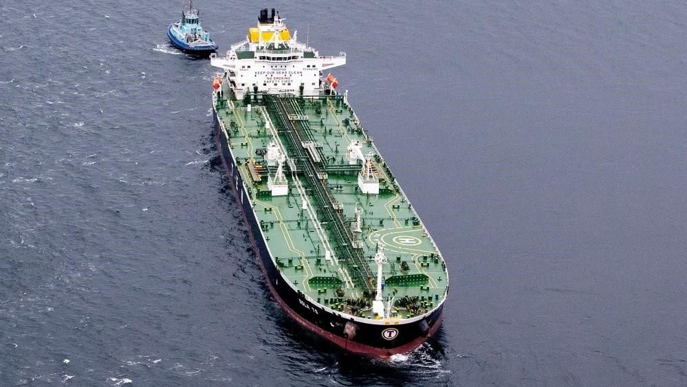 Танкер и норвежский фрегат