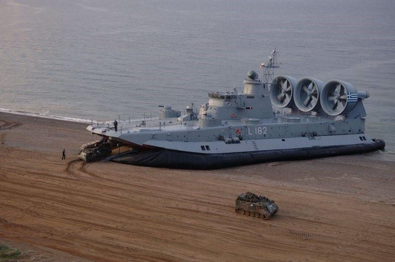 «Зубр» - десантный корабль на воздушной подушке