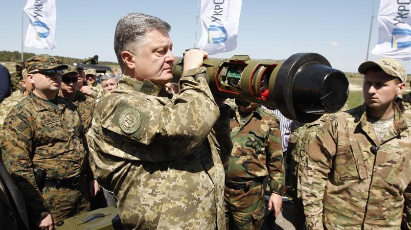 Порошенко с солдатами ВСУ