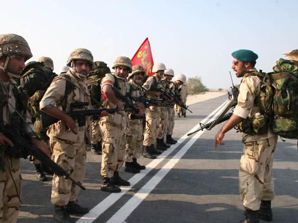 Солдаты КСИР - элиты армии Ирана