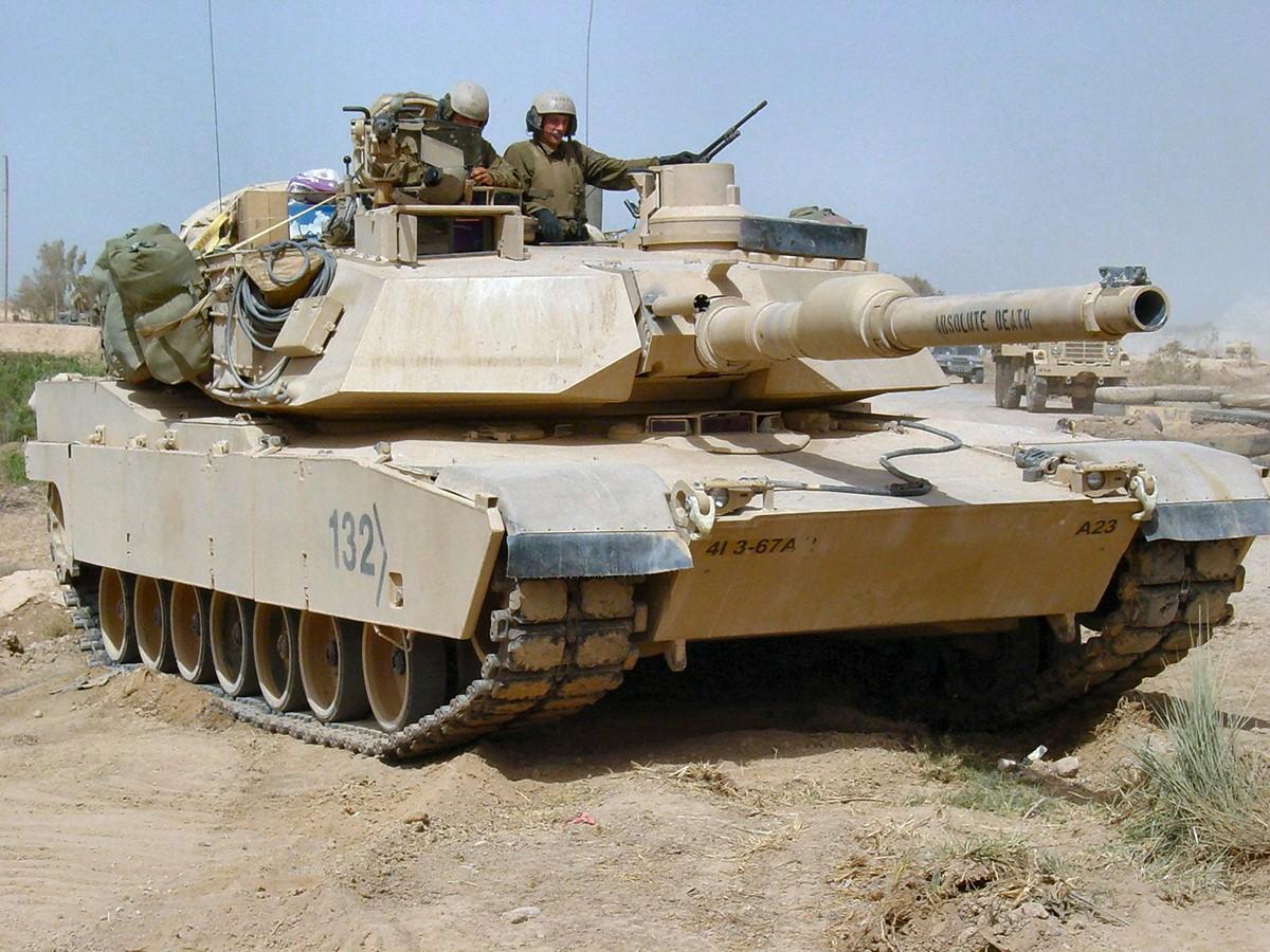 Американский Abrams в пустыне