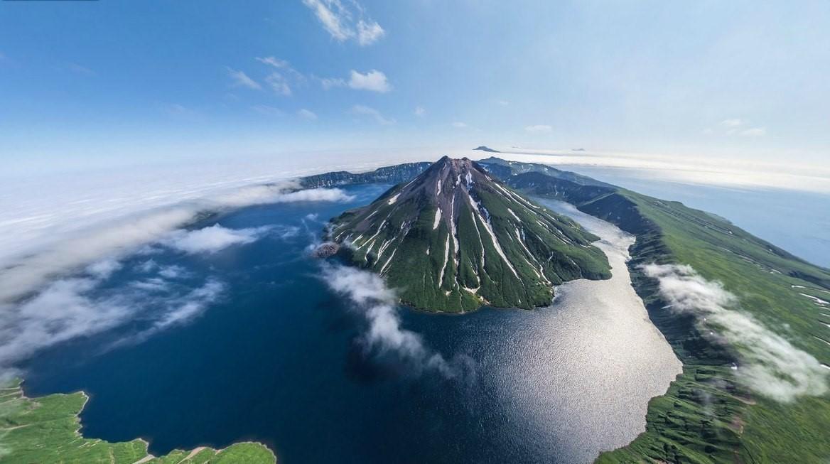 Один из Курильских островов