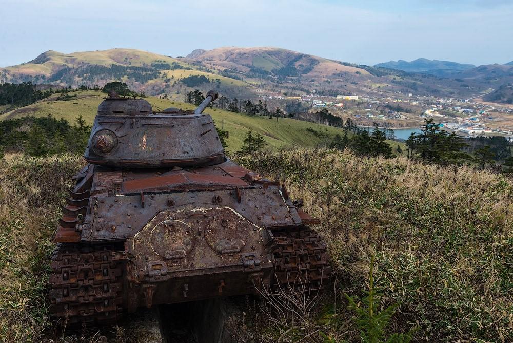 Ржавый танк на Курилах