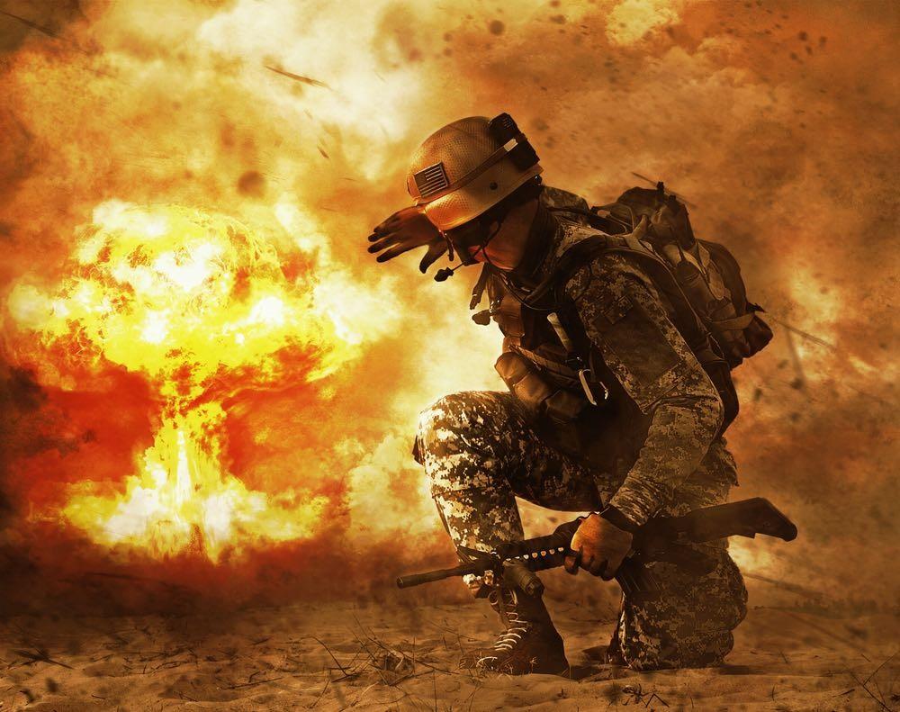 Солдат на фоне ядерного взрыва