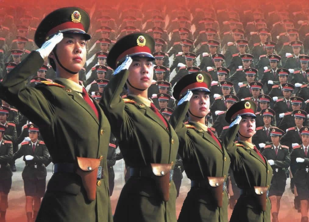 Строй китайских женщин-солдат