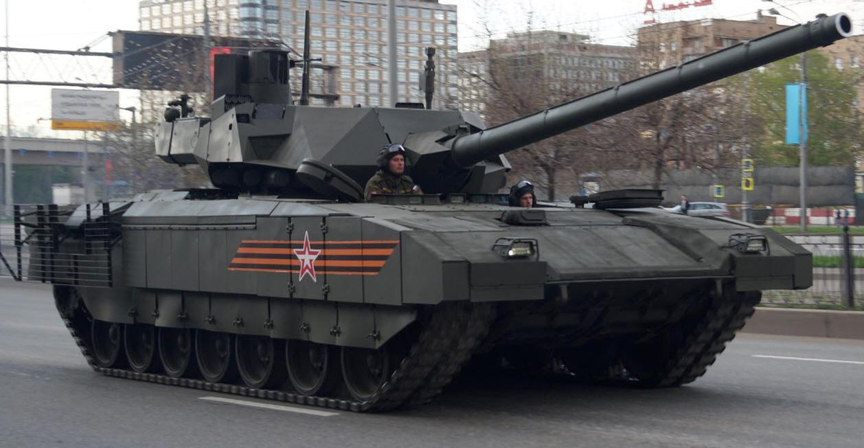 Т-14 «Армата» на улицах города