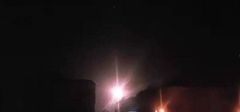 Взрывы в ночном небе
