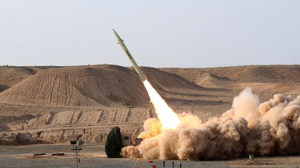 Запуск ракеты в сирийской пустыне