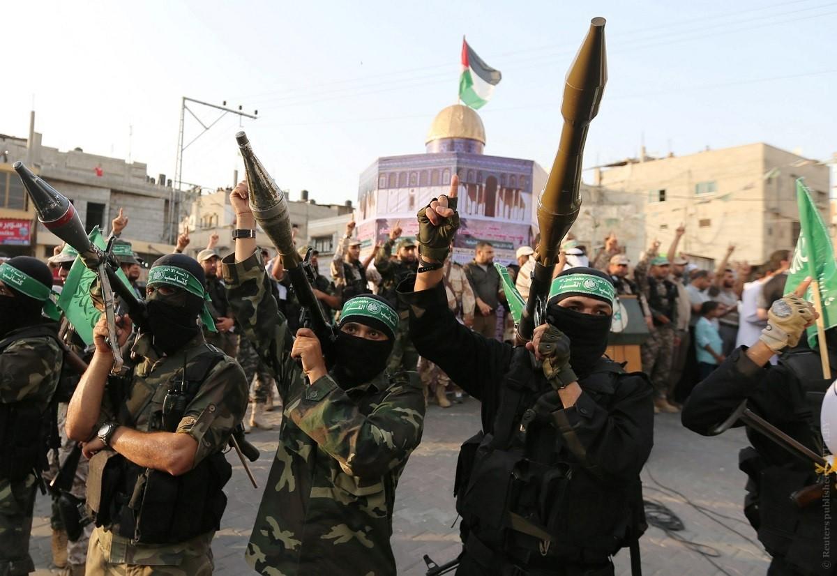 Бойцы ХАМАСа с гранатометами