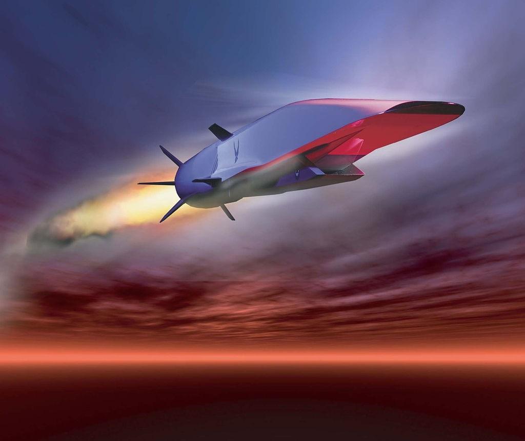 Гиперзвуковая ракета летит к цели