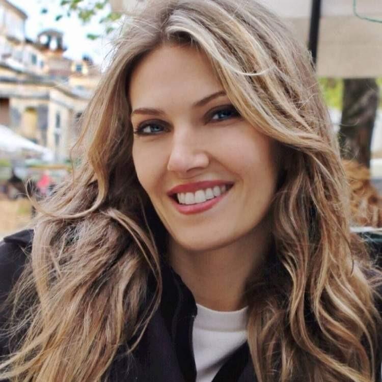 Греческий политик-женщина