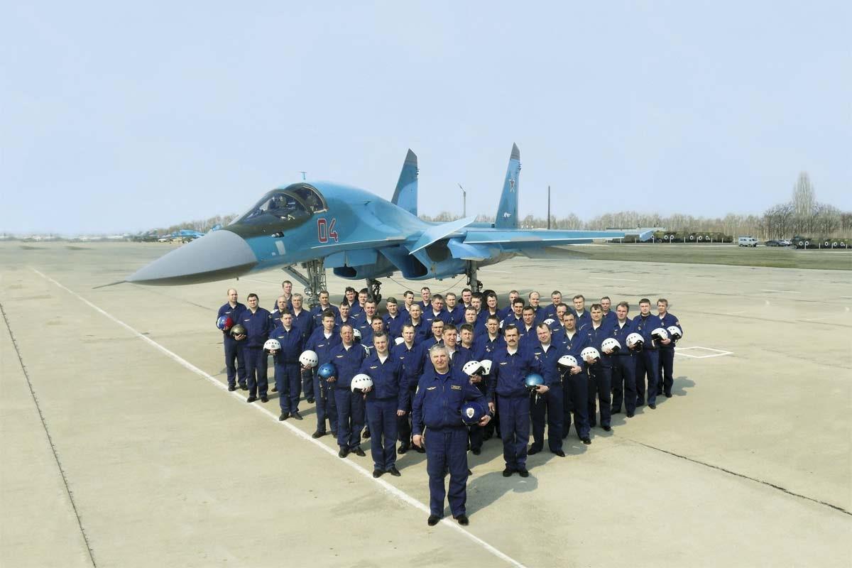 Летчики на аэродроме