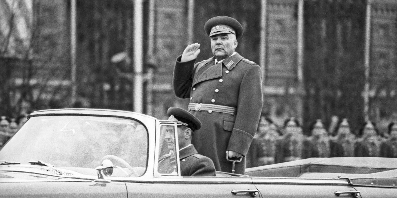 Маршал Малиновский на параде