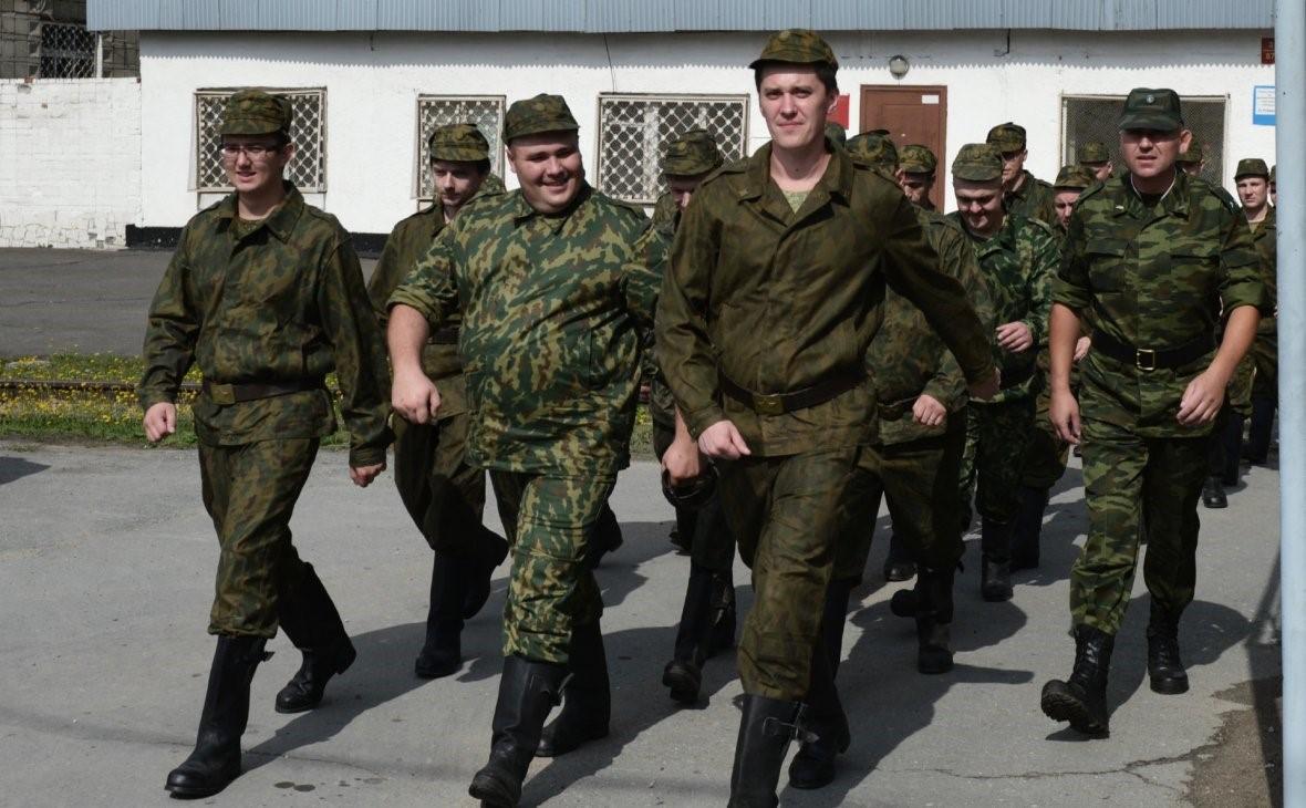 Марширующие солдаты