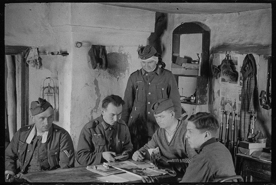 Немецкий штаб в деревенском доме