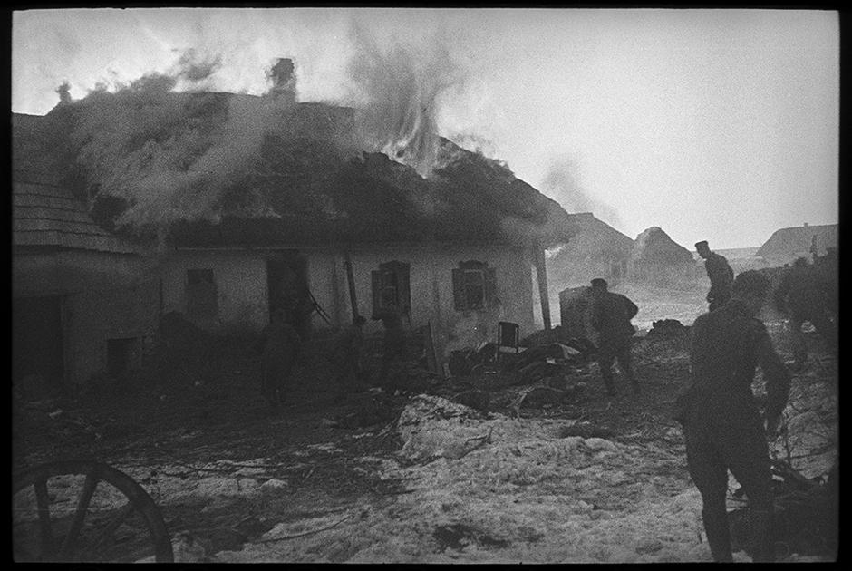 Подожгли дом местного коммуниста