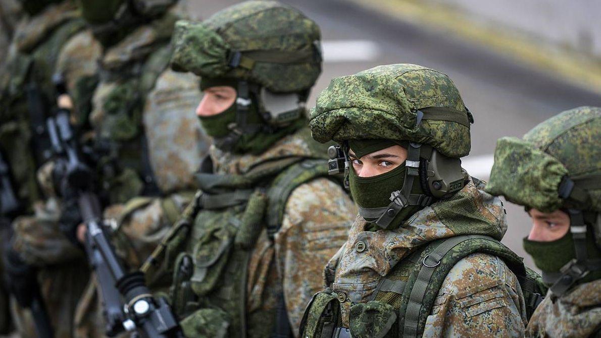 Российские солдаты в масках