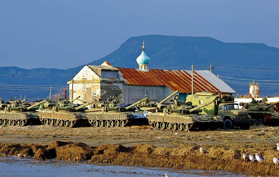 Российские танки на Курилах