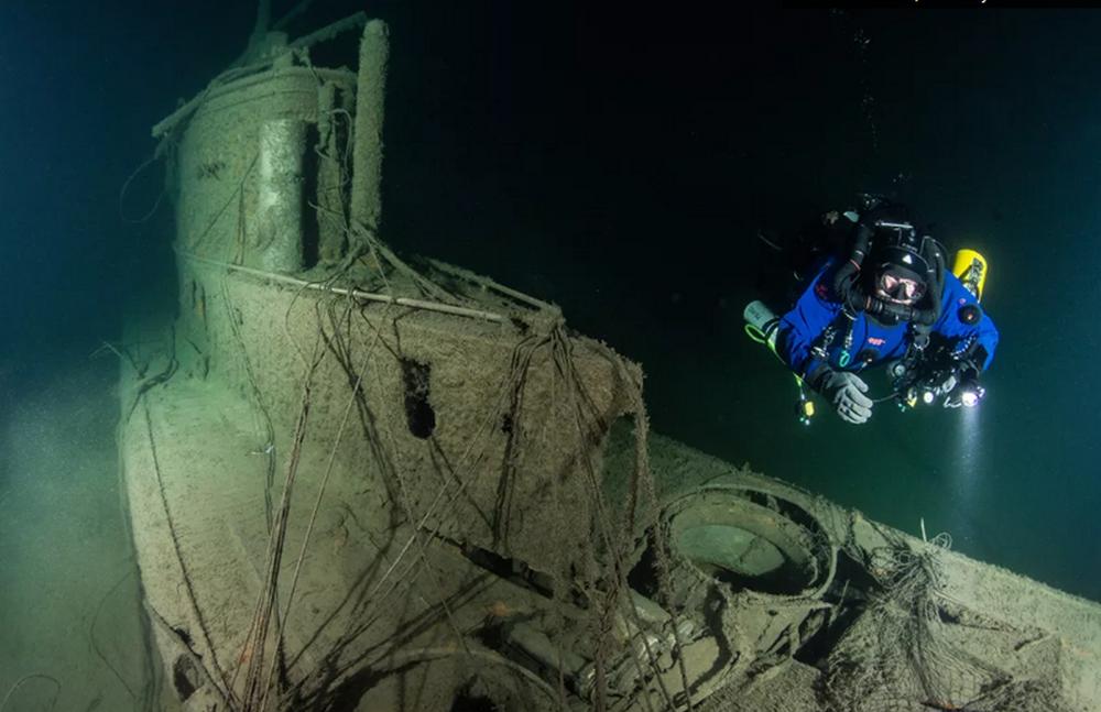 Сельчук Колай ищет субмарины